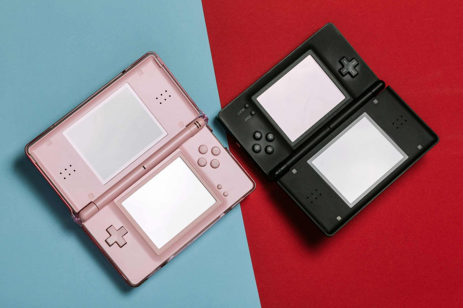 An image showing the nintendo DS